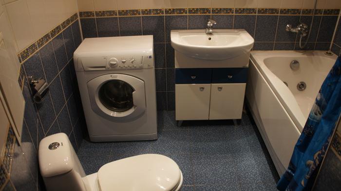 совмещенный санузел, стиральная машинка