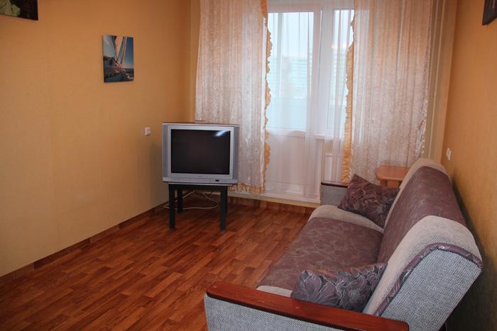 раскладной диван в зале