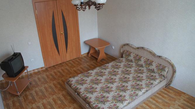 однокомнатная квартира посуточно на Авиаторов в Красноярске