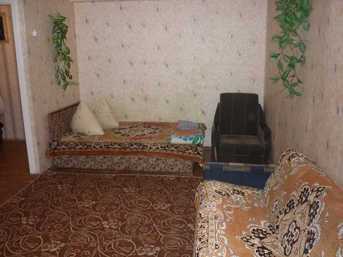 недорогая квартира посуточно на красноярском рабочем в кировском районе Красноярска