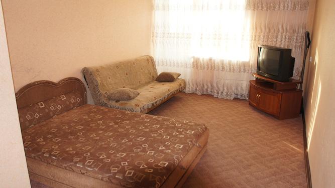 аренда квартиры посуточно в Красноярске на Щорса в кировском районе