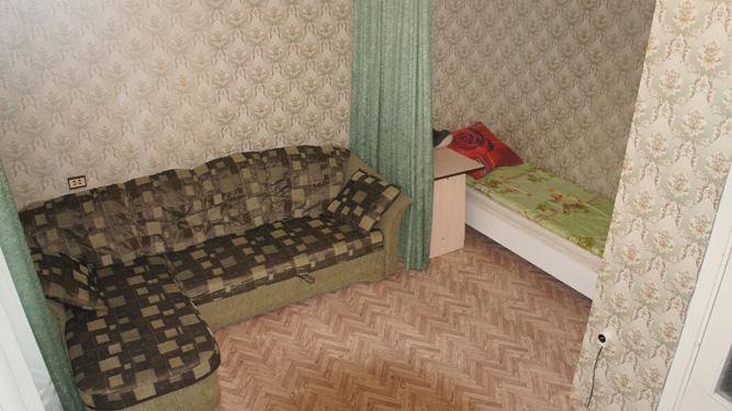 спальные места в квартире посуточно в Красноярске на Светлогорской 37 на левом берегу