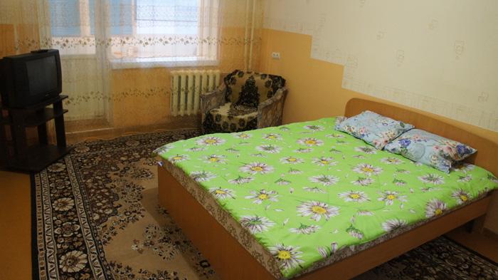 двухкомнатная квартира посуточно в пер.Тихий